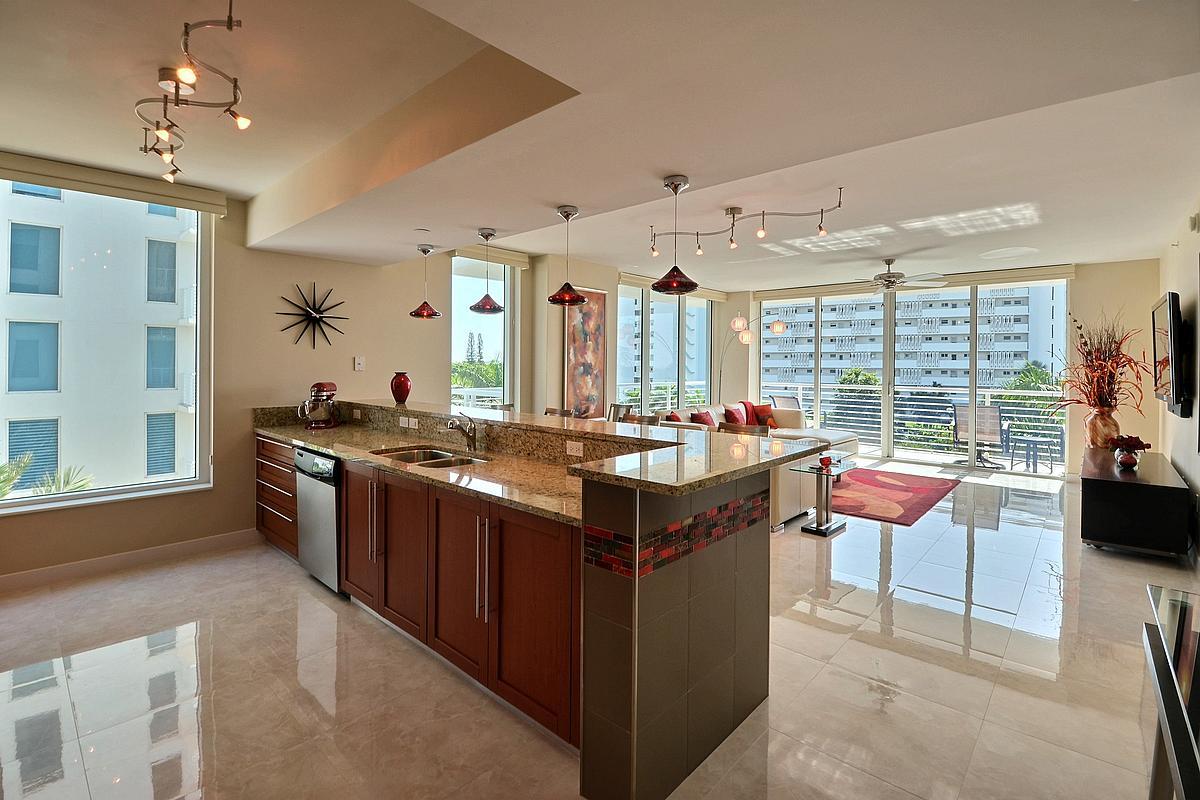 sapphire-kitchen