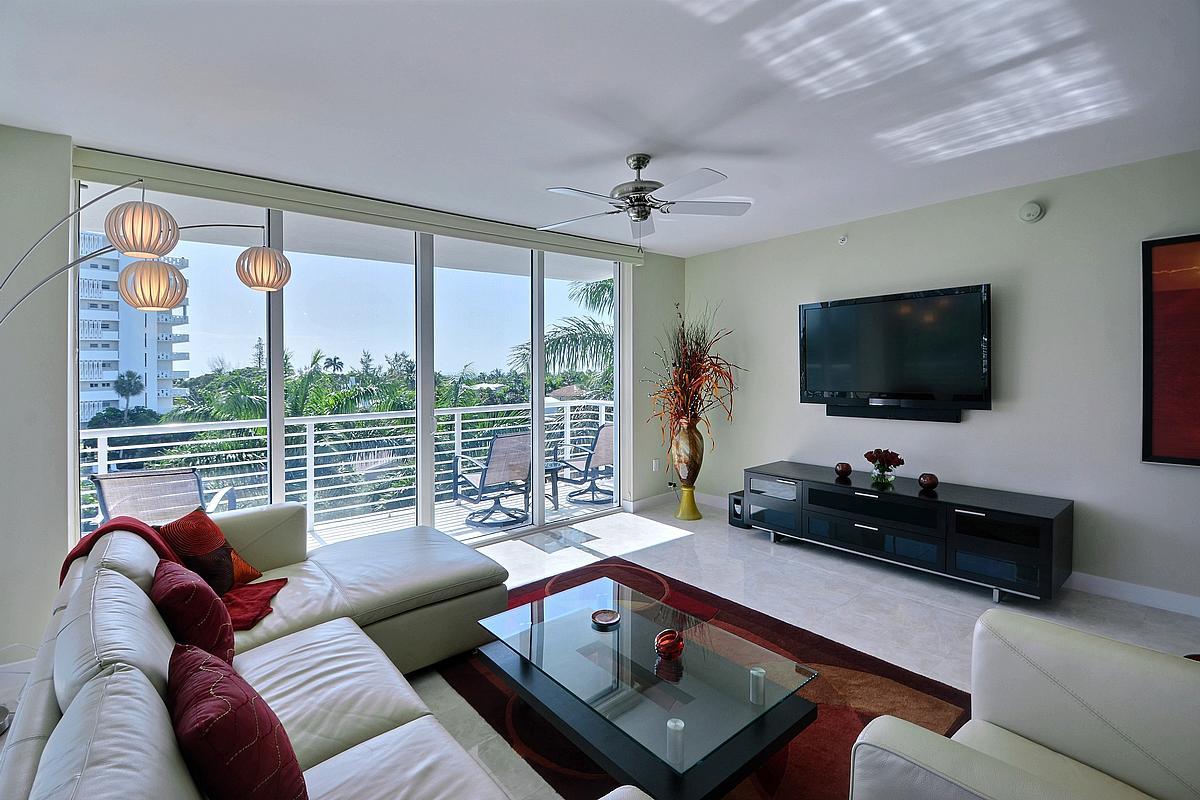 sapphire-livingroom