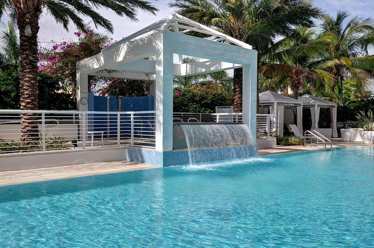 sapphire-swimmingpool